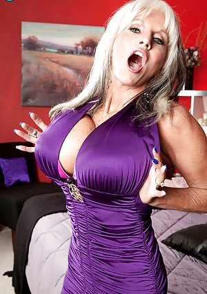 Milf Big Boobs Pictures